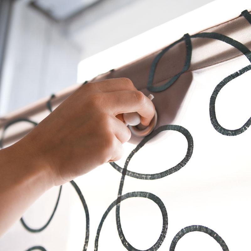 schnurzuglose rollotechnik f r dachschr gen und. Black Bedroom Furniture Sets. Home Design Ideas
